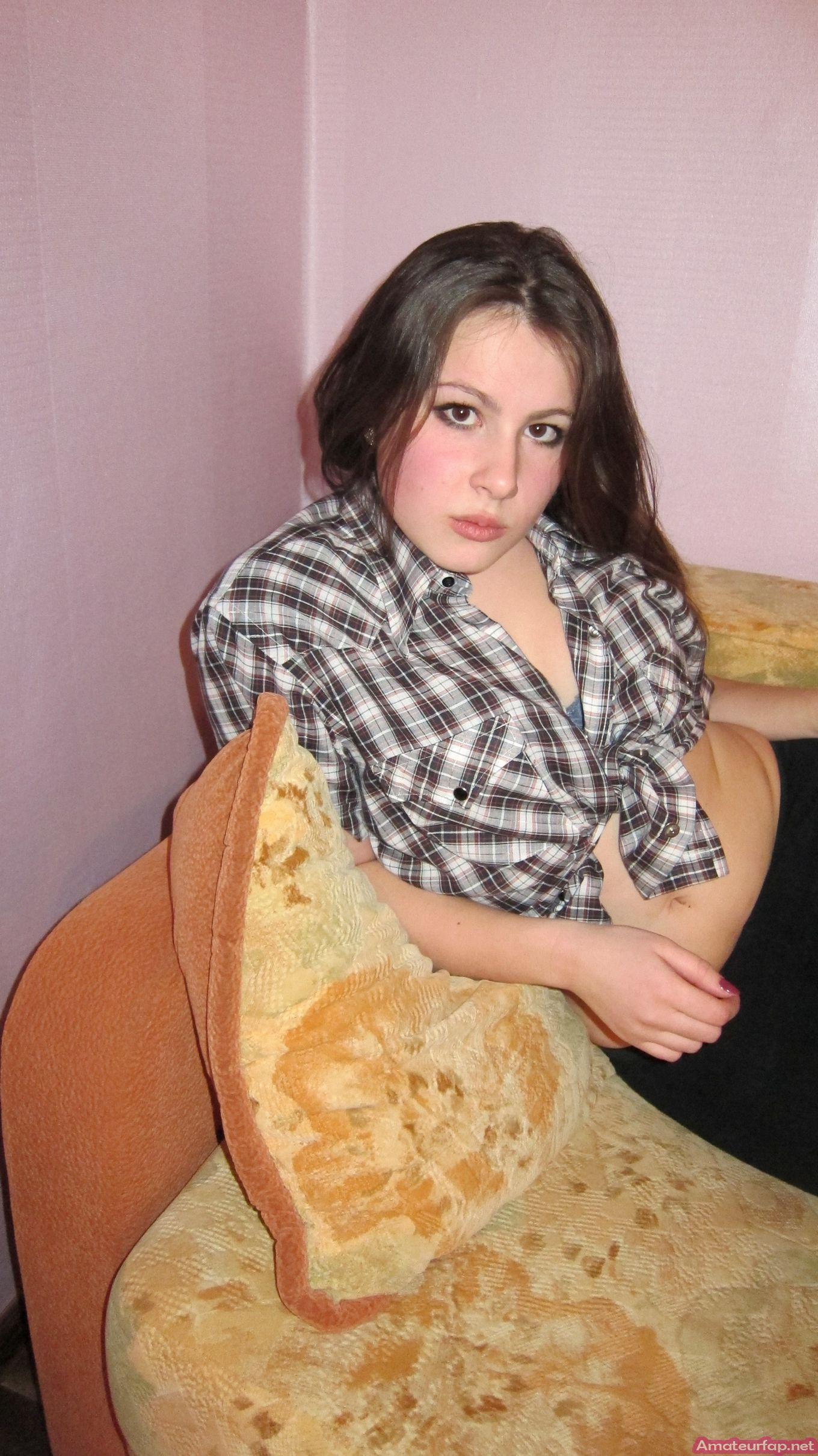 Соблазнительные фото без раздевания милой русской чики