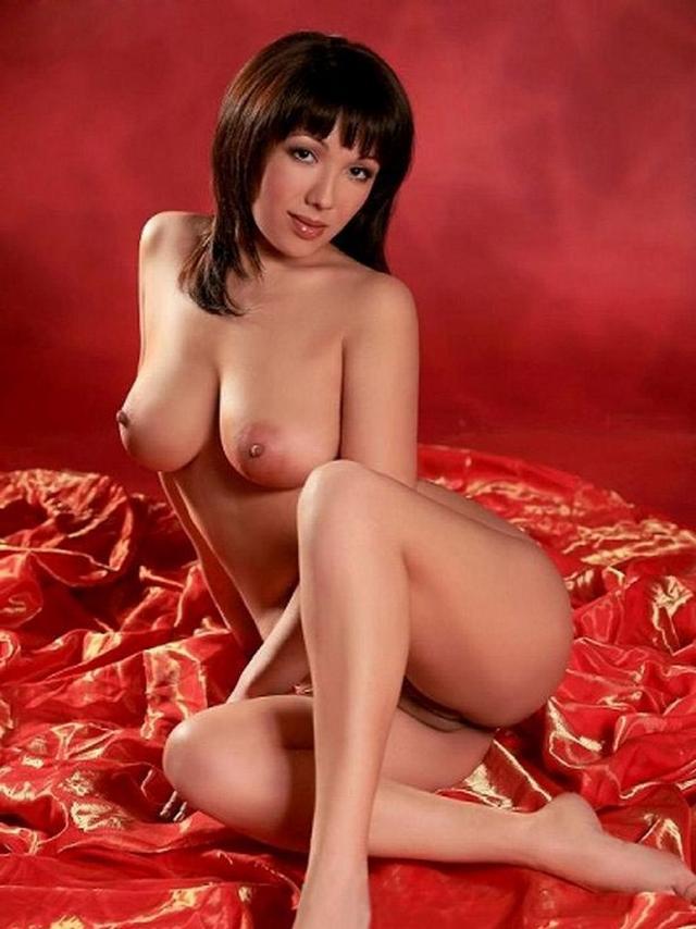 Роскошные тела возбужденных дамочек секс фото